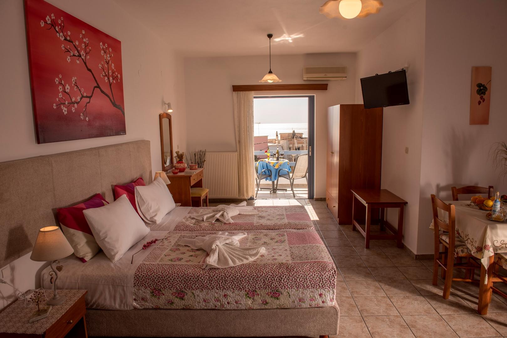 Roula Apartments Paleochora